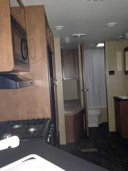 2012 Shasta Revere 27bhs 30 Travel Trailer Great Blue