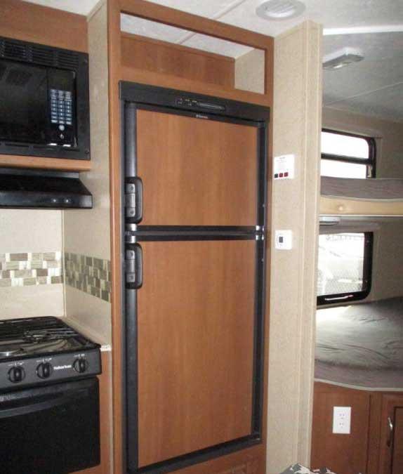 Full kitchen and fridge